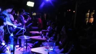 Pyn ốm chúc mừng sn khách - acoustic bar