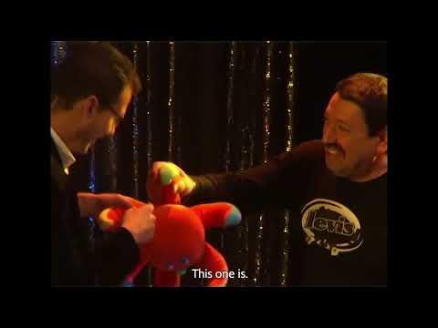 Invisibag by Joao Miranda and Rafael Baltresca video2