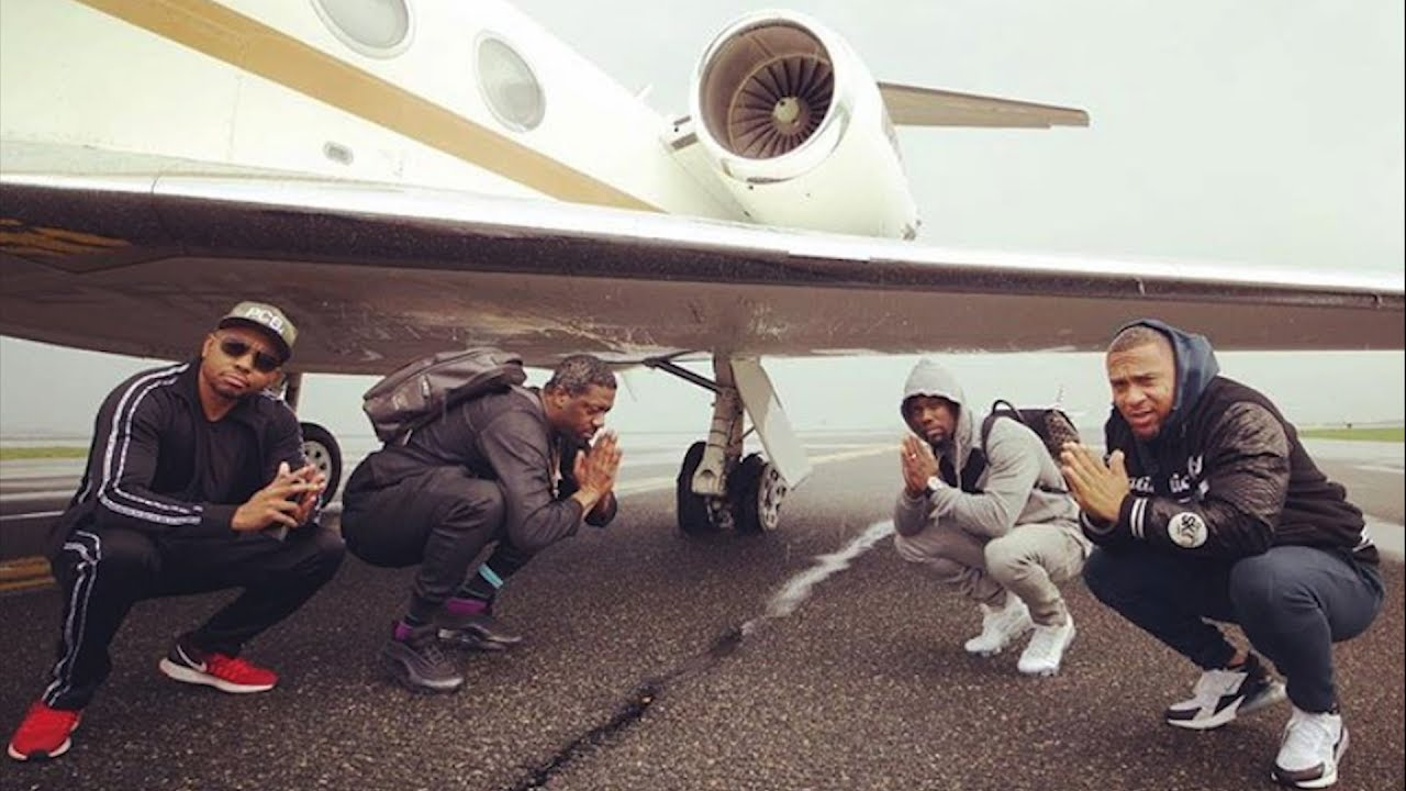 Kevin Hart's jet blows tire landing in Boston; no one hurt