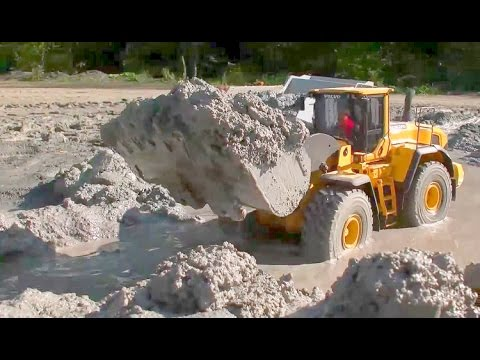 HEAVY RC LOADER VOLVO L250G | THE MUD CONSTRUCTION SITE | SO HEAVY