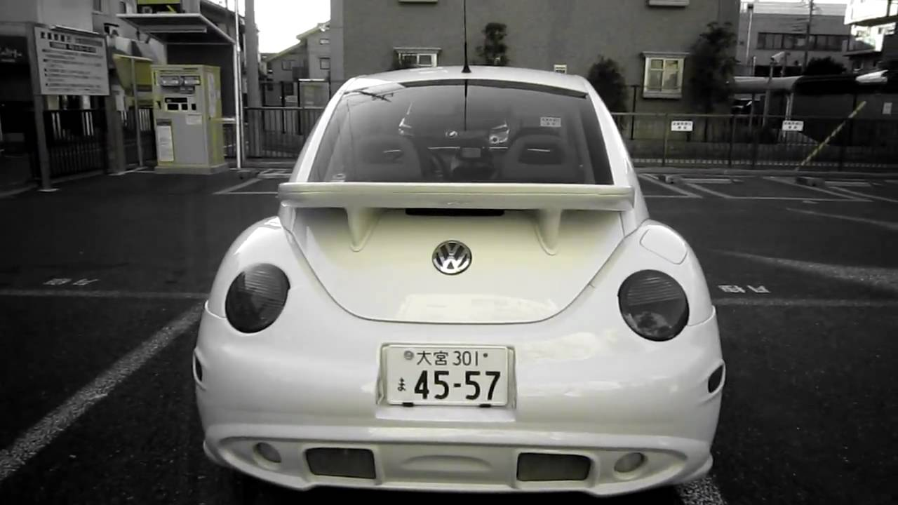 1999 White Volkswagen New Beetle Dressed Up Side Skirts