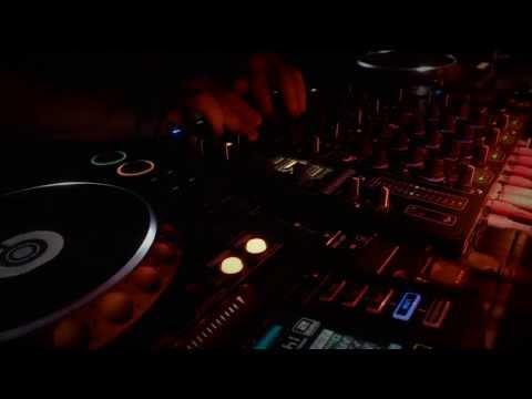 Holding You Kaptivv podcast [03] - (cheef 01)  - deep house, minimal & techno