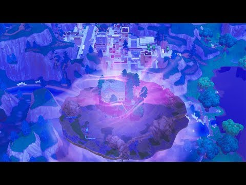 fortnite-cube-hitting-tilted-towers-right-now-fortnite-battle-royale