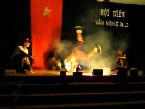 [24/03/2012]Hiphop 11B7 - THPT Quang Trung Daklak - 2011 - 2012