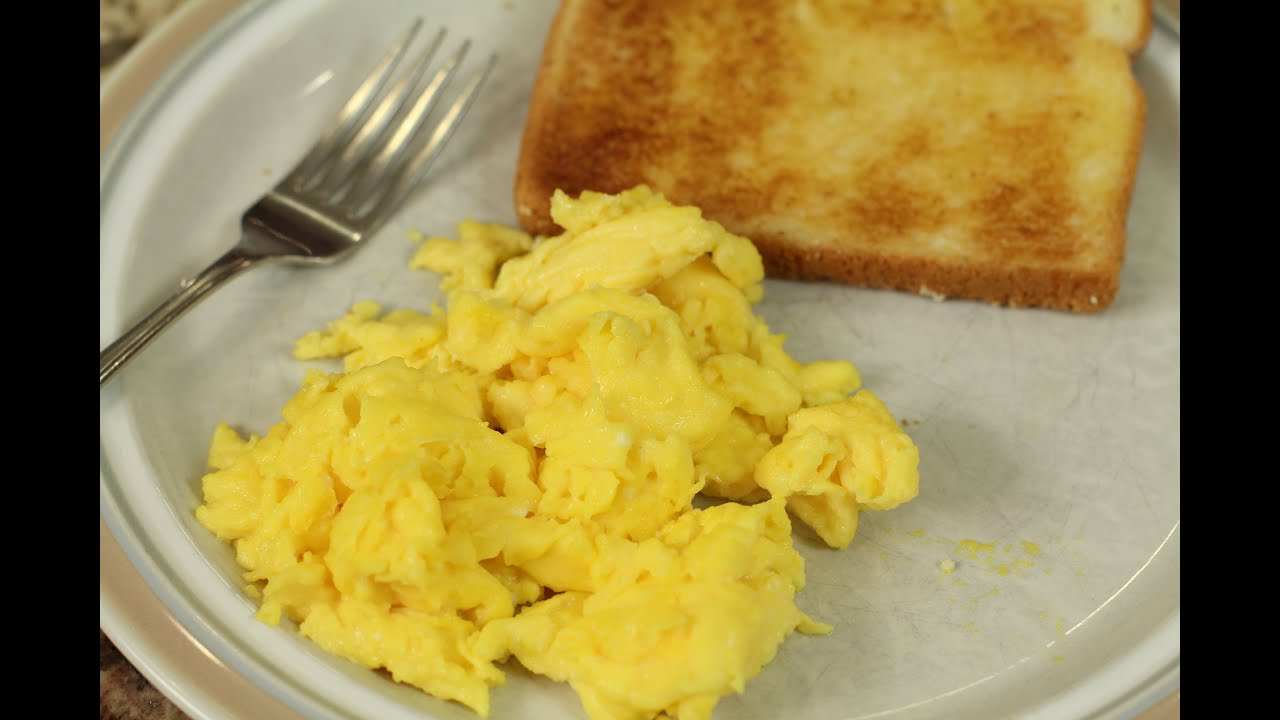 how to cook eggs 6 tips to make fluffy scrambled eggs. Black Bedroom Furniture Sets. Home Design Ideas