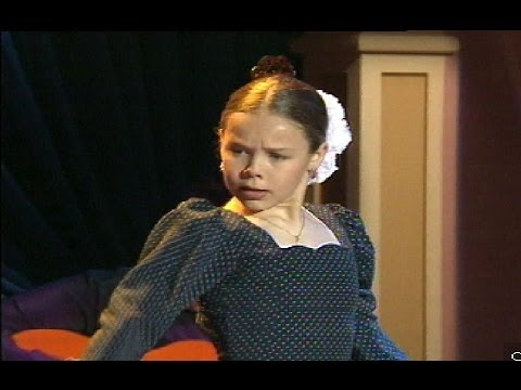 Rocío Molina, de niña, baila una caña flamenca (1996) | Flamenco en Canal Sur