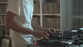 "DJ FATFAT CORFUNK - Scratch and body tricks training (tribute to ""Just rhymin with Biz"") Agosto 2014"