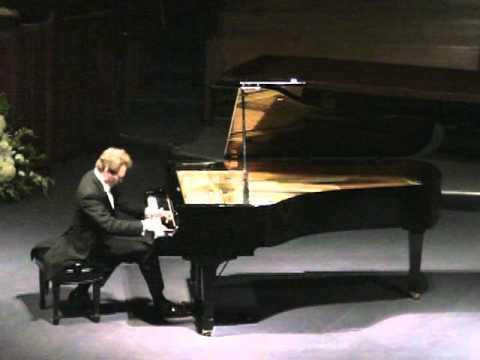 Michael Fennelly plays Liszt Grande fantaisie sur des thèmes de l'opéra Niobe (Pacini)