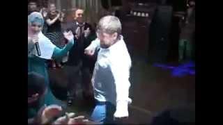 Кадыров танцует лезгинку c афроамериканцем
