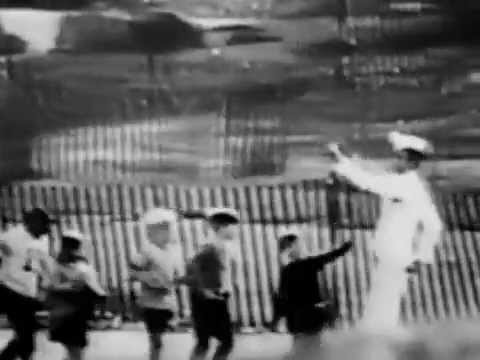 VINTAGE 1967 ARMOUR HOT DOGS COMMERCIAL - KIDS MARCHING & SINGING