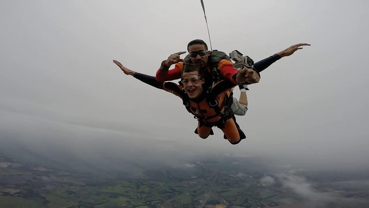 Salto de Paraquedas do Arthur G na Queda Livre Paraquedismo 22 01 2017