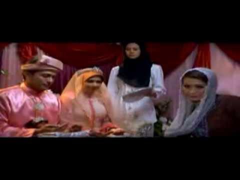 Tentang Dhia: Zikir dan Dhia bersanding(lagu: Cinta Sejati by Pasto