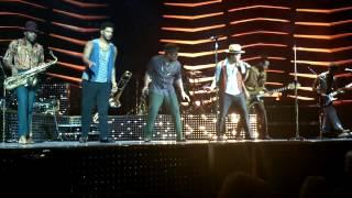 Bruno Mars - Runaway Baby LIVE