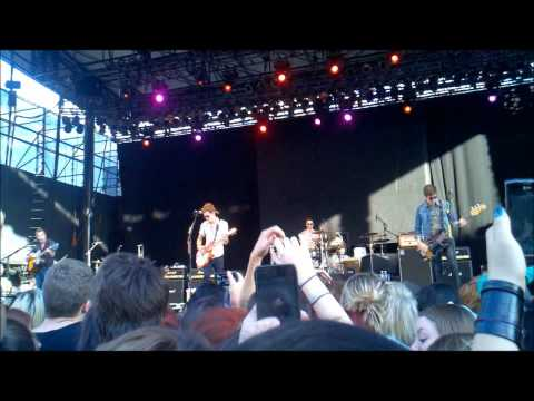 Nevershoutnever, The Maine, A Rocket to the Moon,The Downtown Fiction, Concert 2011