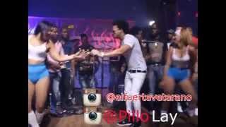 El Alfa El Jefe - Interpreta Fuego y Brazo en (kaprich dance club)
