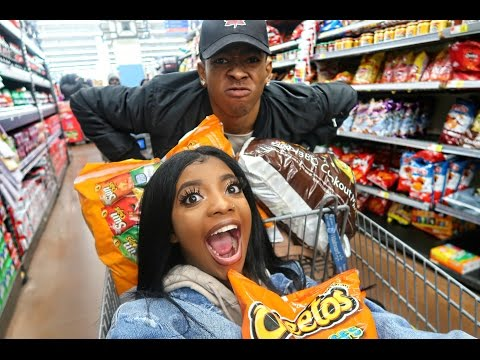 GROCERY SHOPPING CHRONICLES   VLOGMAS DAY 8
