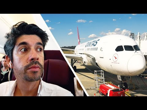 New Boeing 787 Qantas Dreamliner - first flight