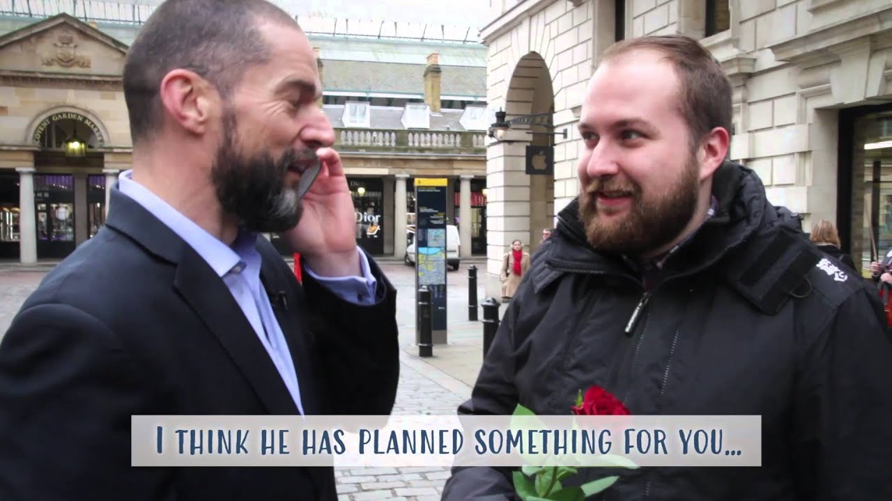Fred Sirieix and Moonpig ask Londoners about their plans for – Moonpig Valentines Cards