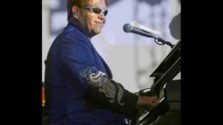 Elton John LIVE in Sweden 2003 - #3 Ballad of the Boy in the Red Shoes