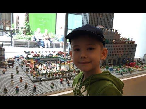 Timka LEGO Shop New York. Rockefeller center.