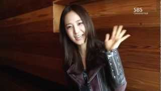 Fashion King D-6 Yuri interview in New York Mar13.2012 GIRLS' GENERATION Thumbnail