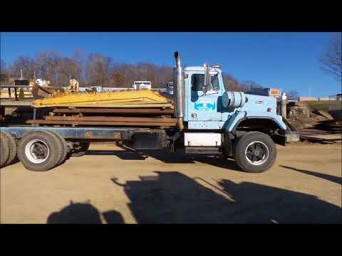 1988 Autocar DS64 truck cab and chassis for sale | no-reserve Internet auction December 28, 2017