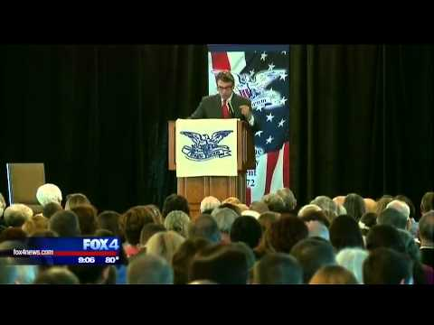 Ex-Texas Gov  Rick Perry drops out of 2016 presidential race