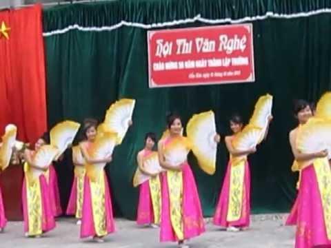 #Yuniha - Múa Sắc Xuân - 11A2 THPT Cẩm Khê