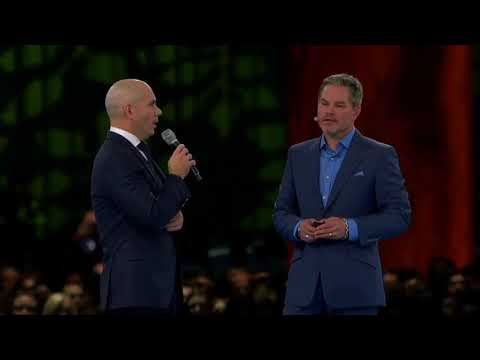 Pitbull Delivers Keynote Interview at Dreamforce 2017