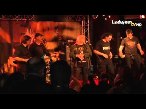 02.03.2013 :: Ludujem.com // Le New Morning - Riblja Čorba