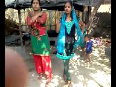 Desi beautiful girl's dancing by hindi song