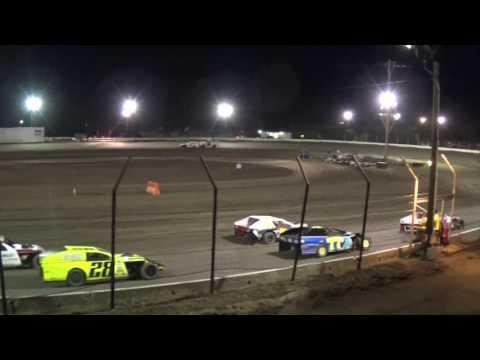 Barona Speedway 5-20-2017 IMCA Modified Main