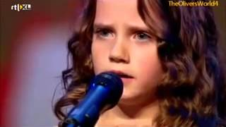 Девочка спела так, что зал аплодировал стоя, а жюри открыли рты.(http://bigudi.2me.by., 2013-11-07T10:56:35.000Z)