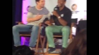 冬日士兵Bucky Barnes(Sebastian Stan)&獵鷹Falcon談論Captain America美國隊長(Chris Evans)抓人左胸的問題left boob grabbing Thumbnail