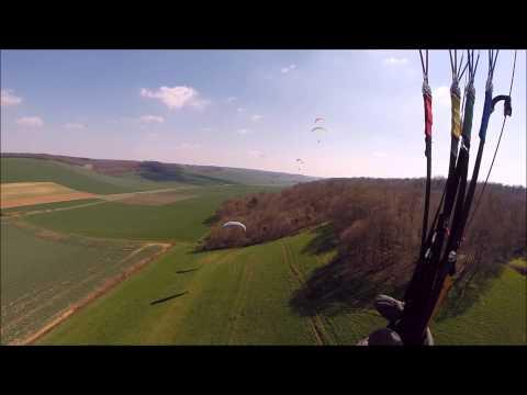 Parapente à Rigny le Ferron (avril 2015) 1080P