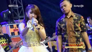 Download Mp3 Adella. Satu Pondok Dua Cinta. Angel Emytasari Live Klamopis Bangkalan