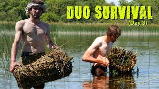 Surviving on an Island  - Day 3: Primitive Fishing