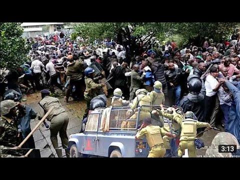 Download NI HATARI: MSAFARA WA TUNDU LISSU WAPIGWA MABOMU NA POLISI/ WANANCHI WAGOMA MKUTANO WAENDELEA.