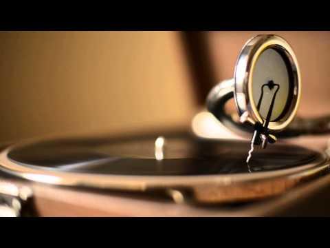 The Music Goes Around...at 78 RPM...HMV 101 + No.4 soundbox