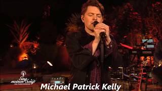 Michael Patrick Kelly Flüsterton