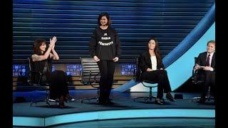 'I speak feminist': Laura Boldrini discusses the fashionable shirt she wore to #WITW