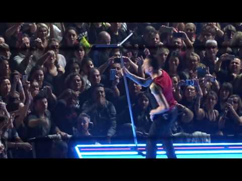 """Depeche Mode """"Everything Counts"""" Live in Paris Accor Hotels Arena @Bercy 03.12.2017"""
