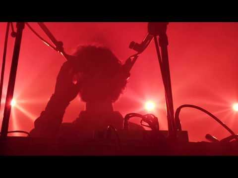 Cosmo Sheldrake - Wriggle (Live)
