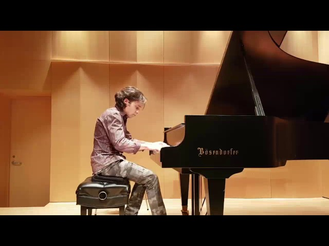 Billy playing Rachmaninov | studio de piano Tristan lauber: