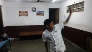 Marenhalli crazy kids dancing.