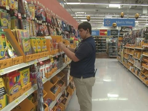Teen worker pays it forward while saving for college