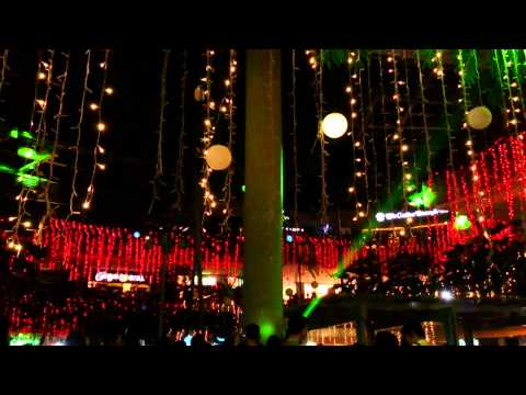 Merry Lights and Sound Show TriNoMa (04 Jan 14)
