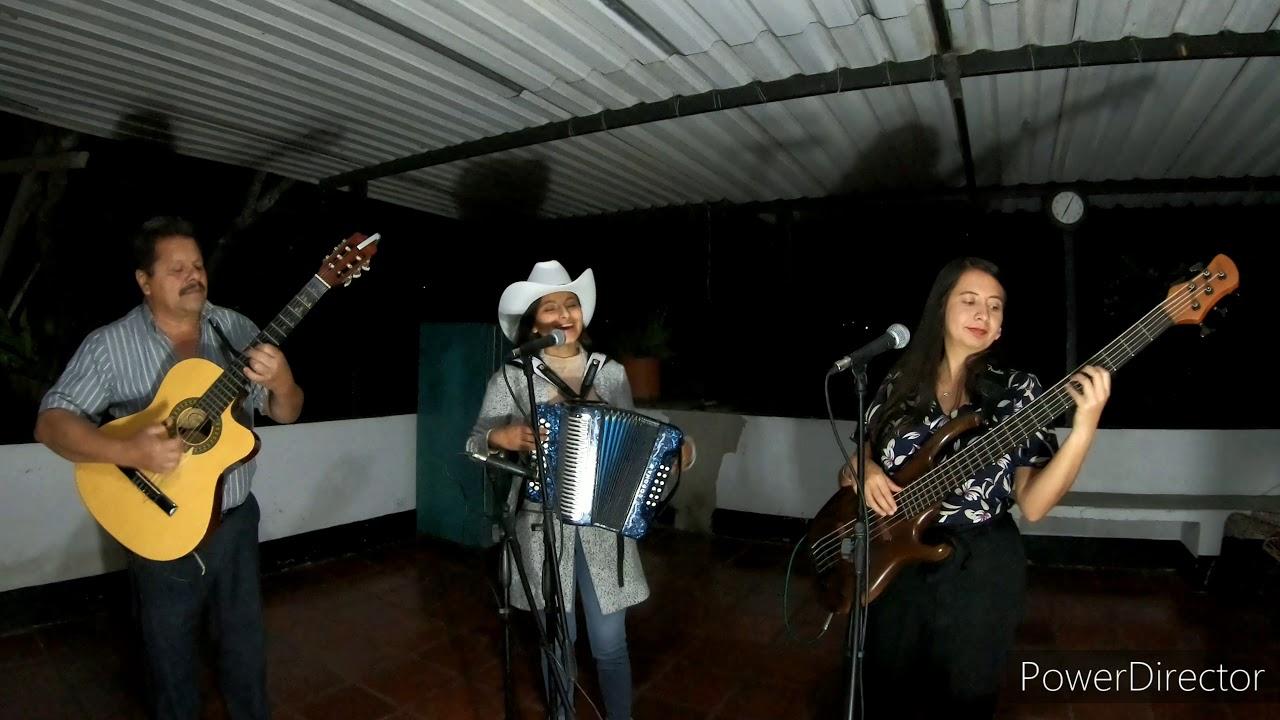 La Oferta - Laurita Urbano