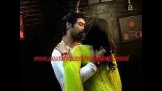 Kumkum Bhagya:Drunk Abhi romances with Pragya