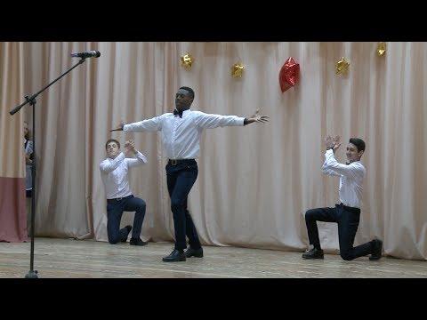 Африканец, армянин и азербайджанец танцуют лезгинку | ROMB